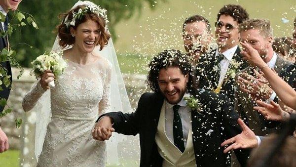 """Escándalo por unos 'cuernos' de Jon Snow a su salvaje Ygritte fuera de """"Game of Thrones"""""""