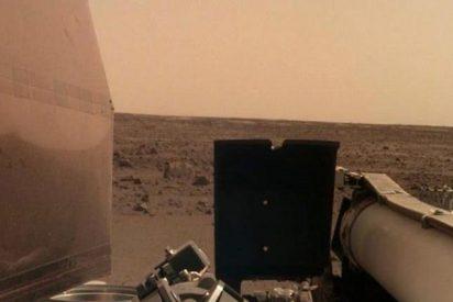 La sonda InSight de la NASA envía las primeras imágenes de la superficie de Marte
