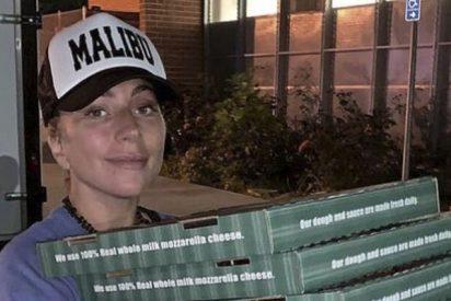 ¿Sabes por qué Lady Gaga se ha convertido en repartidora de pizzas?