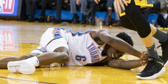 Así fue la terrible lesión de esta joven promesa de la NBA