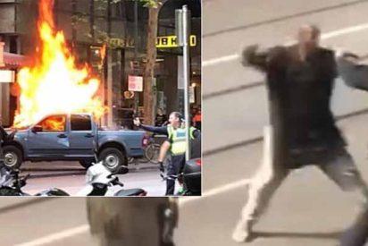 El dramático instante en que el asesino islámico intenta acuchillar a tres policías y lo abaten de un balazo