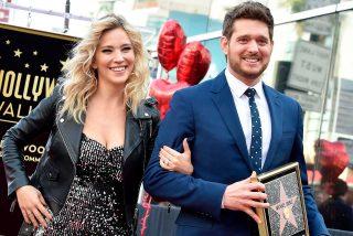 Un emocionado Michael Bublé recibe su estrella en el Paseo de la Fama de Hollywood