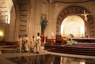 20-N: Misa sin Franco en el Valle de los Caídos