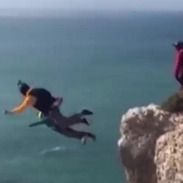 Se lanza al vacío desde 100 metros y muere cuando no le funciona el paracaídas (VIDEO)