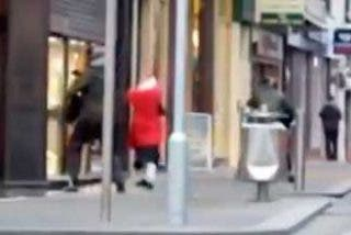 Una anciana, armada con su bolso, pone en fuga a cinco atracadores