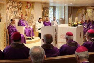 """Los obispos españoles piden perdón por las """"atrocidades"""" de los abusos"""