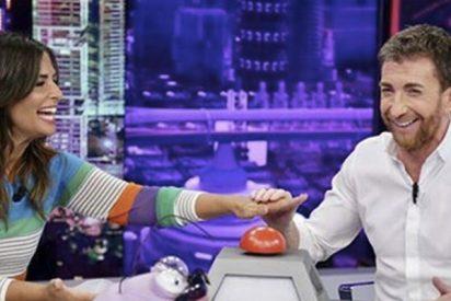 Pablo Motos presiona a Nuria Roca para que confiese sus problemas matrimoniales