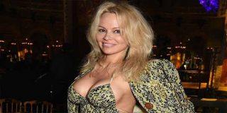 """Pamela Anderson arremete contra el feminismo: """"probablemente me maten por decir esto"""""""