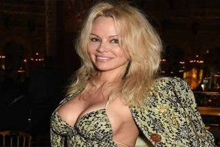 Pamela Anderson se separa de su marido solo 12 días después de casarse en secreto con él