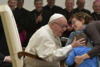 """Papa: """"Dios nos rescata del deseo de acaparar cosas y dominar a las personas"""""""