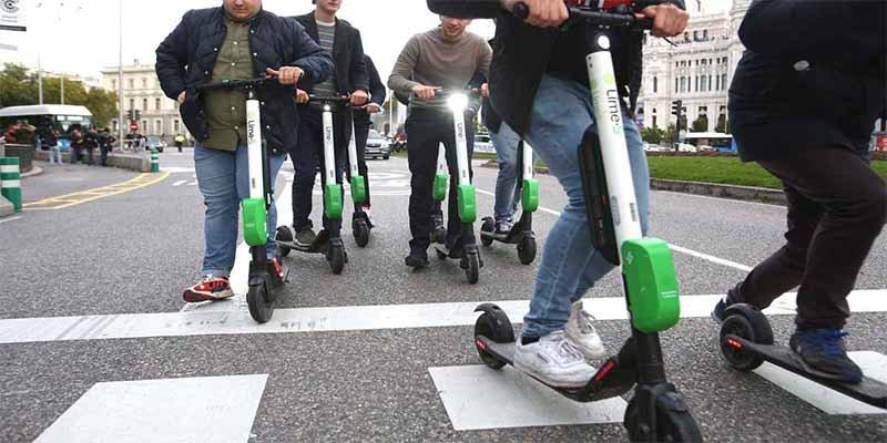 La DGT prohibirÁ que los patinetes vayan por la acera y a más de 25 km/h