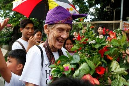 La monja 'anti-Duterte' abandona Filipinas