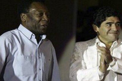 ¿Qué esconde la curiosa felicitación de Pelé a Maradona por su 58 cumpleaños?