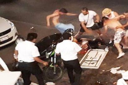 Esta brutal pelea entre turistas y meseros se vuelve viral