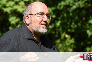 La Iglesia francesa sanciona al cura que pidió la renuncia de Barbarin