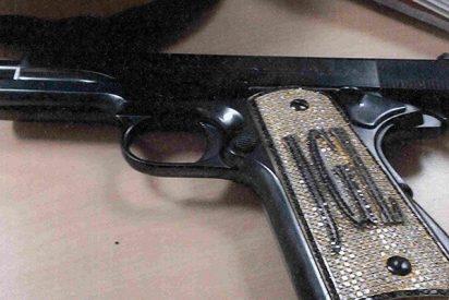 Esta es la pistola con oro y diamantes que utilizaba 'El Chapo' Guzmán