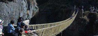 Prensa británica destaca la técnica ancestral para reconstruir puente colgante Inca