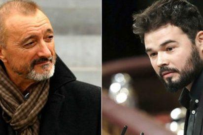 """Pérez-Reverte recupera un texto suyo lapidario contra el esperpento de los políticos: """"Ganas de acercarme y ciscarme en su puta madre"""""""