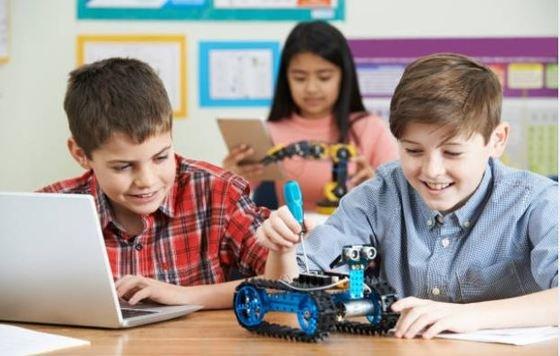 Robots para niños con kit de montaje