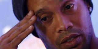Ronaldinho tiene en sus cuentas bancarias menos de siete dólares