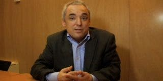 Los dos tuits de Rafael Simancas que se le olvidó llevar a su reunión con Bildu