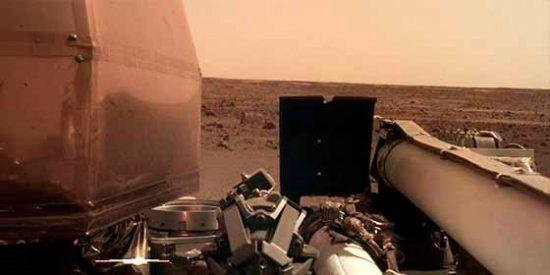 FOTOS: La sonda InSight de la NASA envía las primeras imágenes de la superficie de Marte