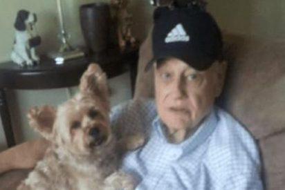 Desalmada sube a su padre con alzhéimer a un avión para deshacerse de él
