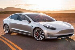 Eléctrico: Podrás controlar tu coche Tesla como si fuera un radiocontrol