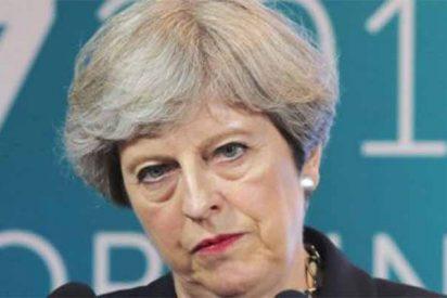 Brexit: Theresa May, acorralada por las dimisiones y la oposición, defiende su acuerdo con la UE