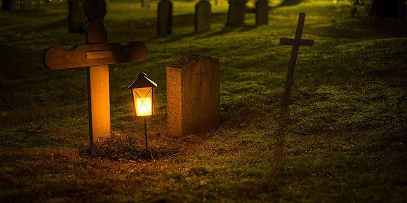 Unos abuelos entierran viva a su propia nuera para quedarse con sus nietos