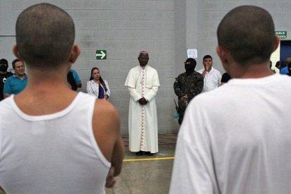 El nuncio apostólico en Honduras visita a los prisioneros en varios centros penitenciarios