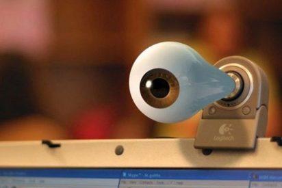 ¡Ojo! El aviso de la Guardia Civil para que tapes cuanto antes la webcam de tu ordenador