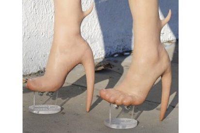 Así son los zapatos que están causando repulsión en todo el mundo