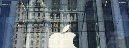 """Apple y Europa en una 'guerra tecnológica' por el uso del cable """"lightning"""""""