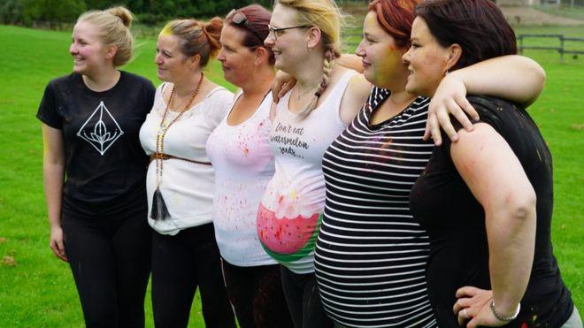 ¿Por qué cientos de mujeres en Canadá se ofrecen gratuitamente para gestar hijos ajenos?