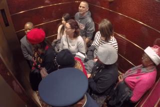 Michelle Obama sorprende a los visitantes del Rockefeller Center