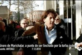 Álvaro de Marichalar, a punto de ser linchado por la turba de los CDR