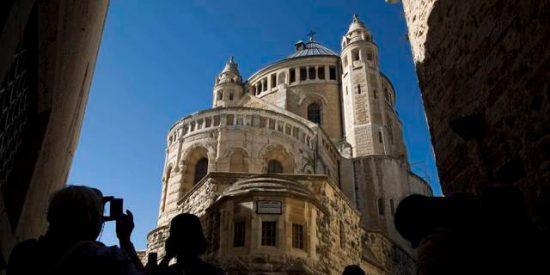 Las Iglesias reprochan a Israel votar la ley de expropiación en Navidad