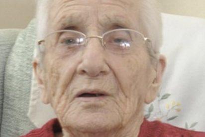 Esta anciana recibe una carta escrita a mano por su prometido desaparecido hace 70 años