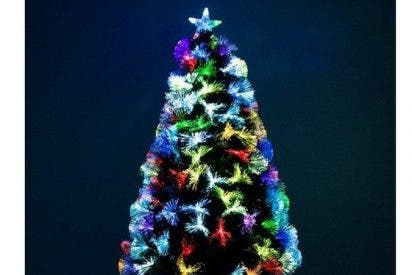 Un brasileño decora una planta de marihuana como árbol de Navidad y termina en prisión