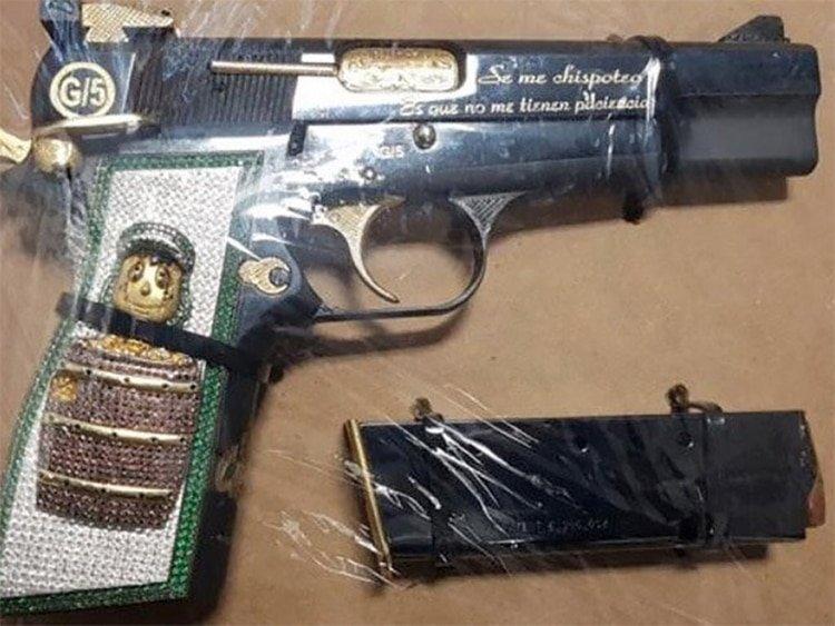 """México: Una pistola con la imagen del """"Chavo del 8"""" fue incautada a dos estadounidenses tras un tiroteo"""