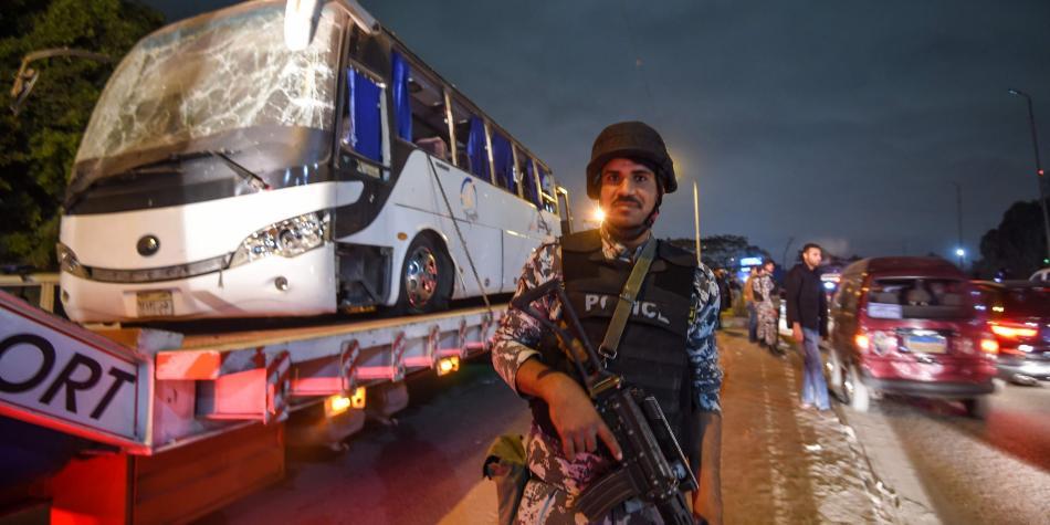 """El Papa condena el atentado """"insensato y brutal"""" en Egipto"""