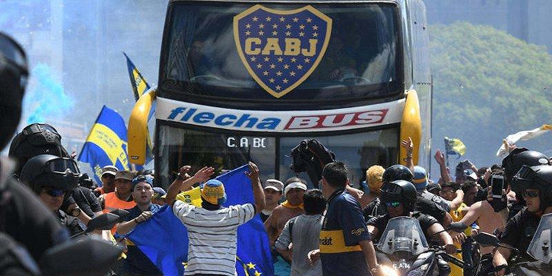 Detenido uno de los hinchas de River Plate acusado de atacar violentamente el autobús de Boca Juniors