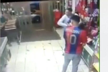 Comerciante chino se defiende a tiros de unos ladrones y mata a uno