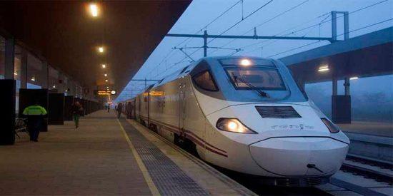 Renfe cancela 154 trenes este viernes obligada por la huelga de interventores