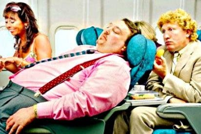 Aventuras y desventuras de 19 internautas durante un viaje en avión