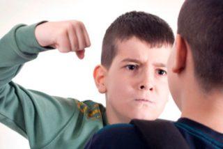 ¡Terrible!: Dos niños y una niña golpean y atacan sexualmente a un compañero de 13 años en los baños de un colegio