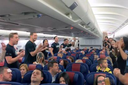 Un curioso Flashmob en un vuelo entre Venezuela y España