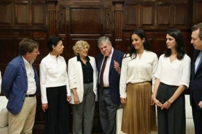 Carmena huye una vez más: no asistirá al acto de apoyo a los presos políticos de Venezuela