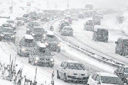 Muere de infarto un conductor atrapado por el temporal en Tarragona
